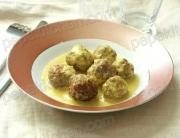 Receta de albóndigas con salsa de manzana y curry
