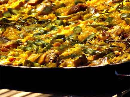 Receta de la aut ntica paella valenciana pepekitchen for Como cocinar paella