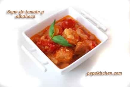 Receta de sopa de tomate y albahaca