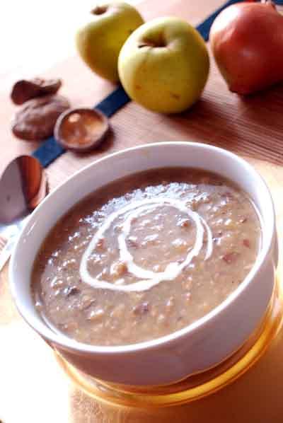 Sopa de setas shiitake y manzanas © José Maldonado