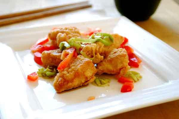 pollo frito con cebolleta