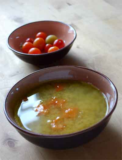 sopa de miso y aguacate