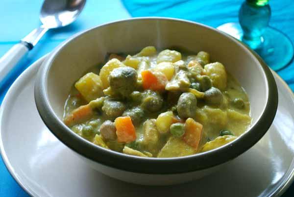 Pepekitchen menestra de verduras con salsa de almendras - Hacer menestra de verduras ...