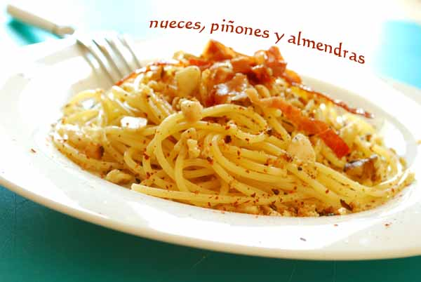 espaguetis con crumble frutos secos 1