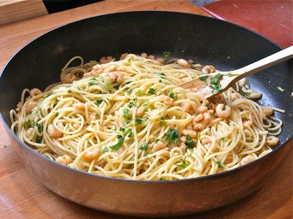 espaguetis con gambas al ajillo1