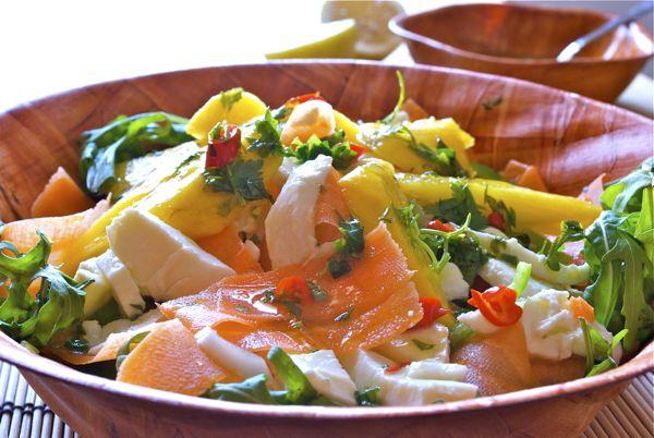 ensalada de mango y mozzarella