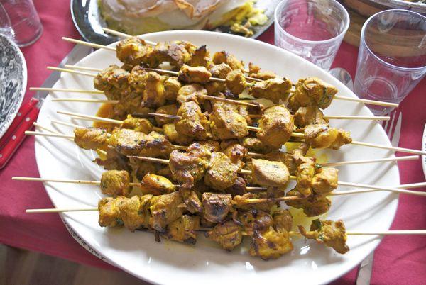 Pinchos de cordero adobados, receta marroquí