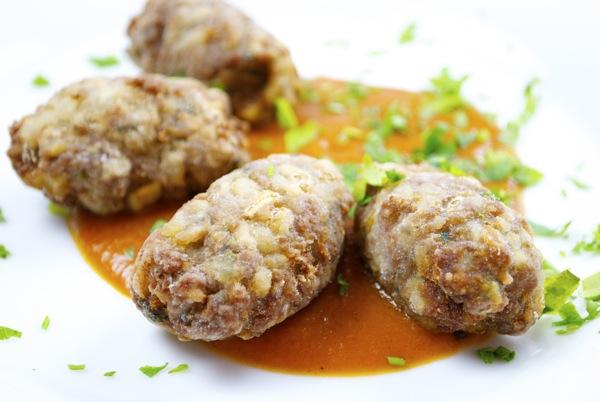 Albóndigas Griegas Con Tomate De Ternera Patata Y Cebolla