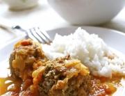 Curry de albóndigas de cerdo