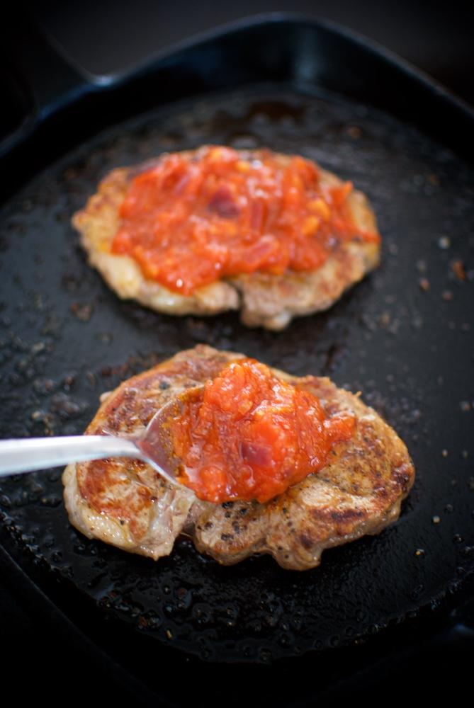 tournedó de cordero en salsa roja (1)