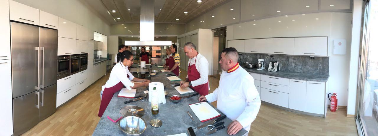 Reapertura de la escuela de cocina pepekitchen nuevo - Escuela de cocina ...